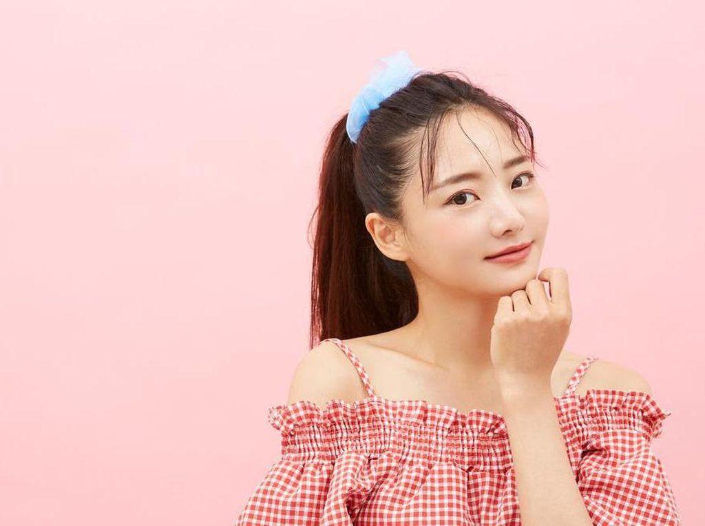 6 Cara Buat Kulit Wajah Cerah dan Lembap bak Artis K-Pop!