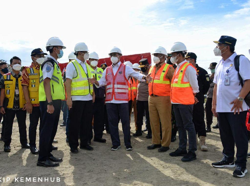 Kunjungi Papua Barat, Menhub Pastikan Proyek 2 Bandara Terus Berjalan