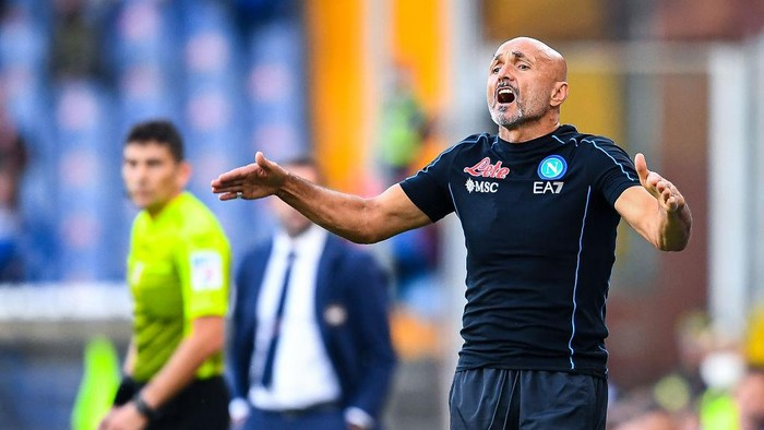 GENOA, ITALY - SEPTEMBER 23: Luciano Spalletti head coach of Napoli reacts during the Serie A match between UC Sampdoria and SSC Napoli at Stadio Luigi Ferraris on September 23, 2021 in Genoa, Italy. (Photo by Getty Images)