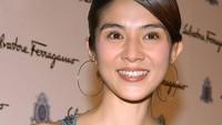 Charlie Yeung Berbagi Resep Awet Muda: Melahirkan di Usia 42 Tahun!