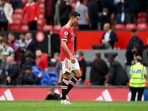 MANCHESTER, ENGLAND - SEPTEMBER 25: Cristiano Ronaldo of Manchester United dejected after the Premier League match between Manchester United and Aston Villa at Old Trafford on September 25, 2021 in Manchester, England. (Photo by Gareth Copley/Getty Images)