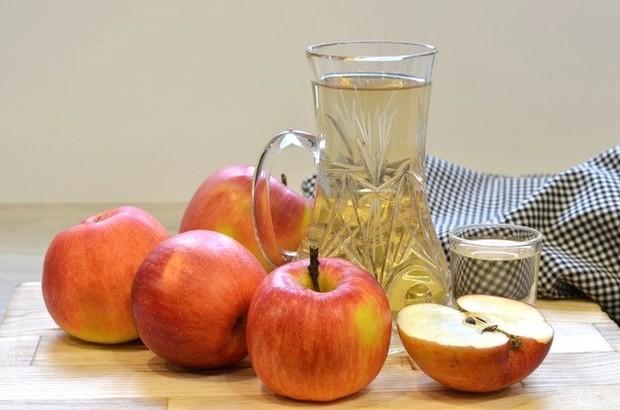 Cuka sari apel/ Foto: Freepik.com