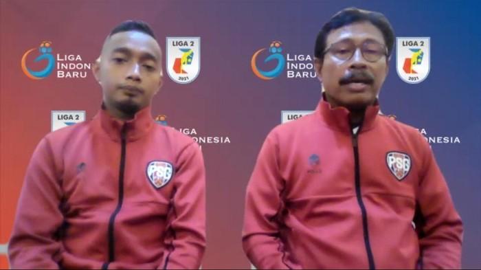 Pelatih PSG Pati Ibnu Grahan dan Tim Nugroho saat jumpa pers jelang laga.