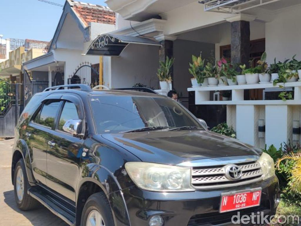 Kasus Korupsi Bupati Probolinggo, KPK Geledah Rumah Kadis Mal Pelayanan Publik