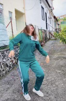 Parodikan Permainan di 'Squid Game', Wanita Ini Tak Tahan Godaan Penjual Es Krim