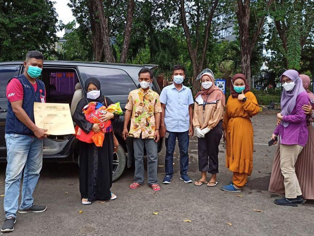 TKI Positif COVID-19 yang Lahirkan Bayi di RSLI Surabaya Akhirnya Boleh Pulang