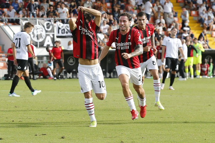 LA SPEZIA, ITALY - SEPTEMBER 25: Brahim Diaz of AC Milan celebrates after scoring a goal during the Serie A match between Spezia Calcio and AC Milan at Stadio Alberto Picco on September 25, 2021 in La Spezia, Italy.  (Photo by Gabriele Maltinti/Getty Images)