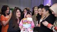 Begini Keakraban Olivia, Putri Nia Daniaty Saat Makan Bersama Keluarga