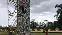 Bukan di Hotel, Tim Panjat Tebing DKI Nginap di Barak Selama PON Papua