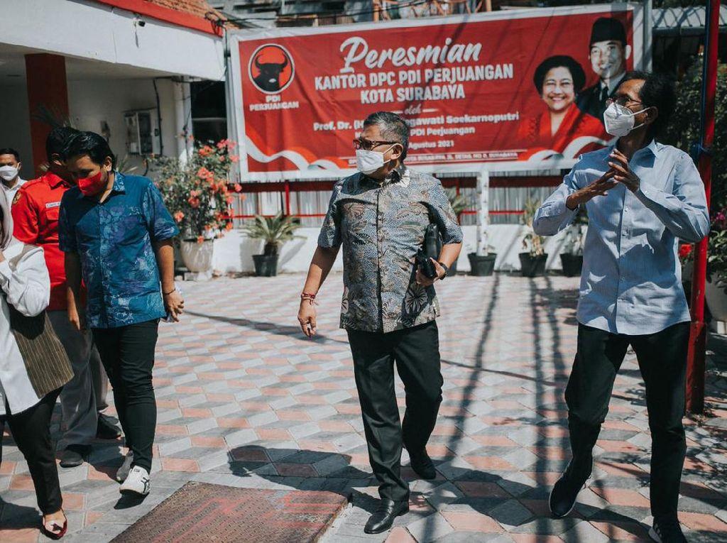 Sambangi Kantor PDIP Surabaya, Hasto Diskusi Bareng Walkot dan Ketua DPC