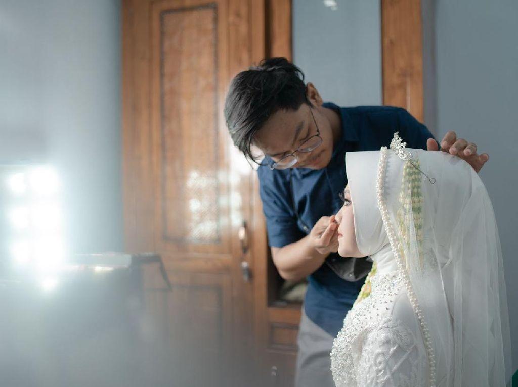 Viral Serbuan Ibu-ibu Minta Lipstik di Acara Pernikahan, Bikin Perias Nangis