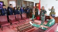 Mantan Pangkostrad Merasa Berdosa Bikin Patung Soeharto-AH Nasution