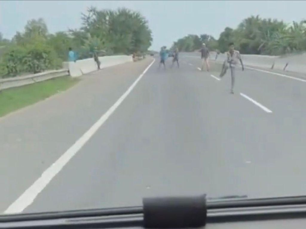 Viral Geng ABG Pungli-Lempari Mobil di Pintu Tol Belawan, Polisi Turun Tangan