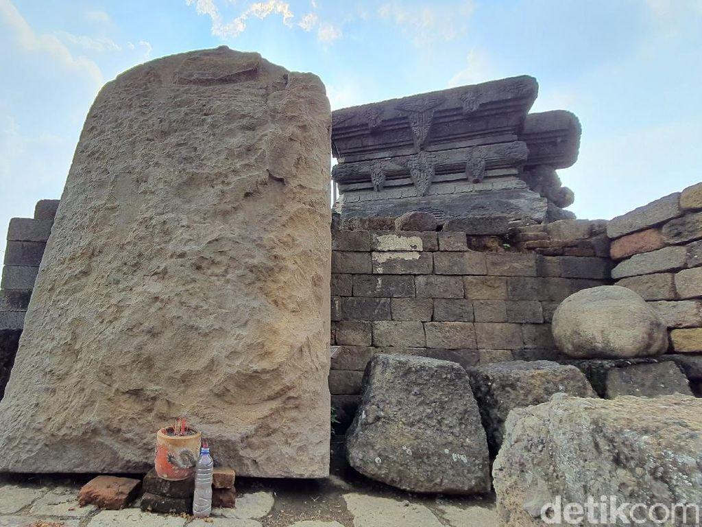 Sosok pada Arca Besar di Candi Tribhuwana Tunggadewi Masih Jadi Misteri