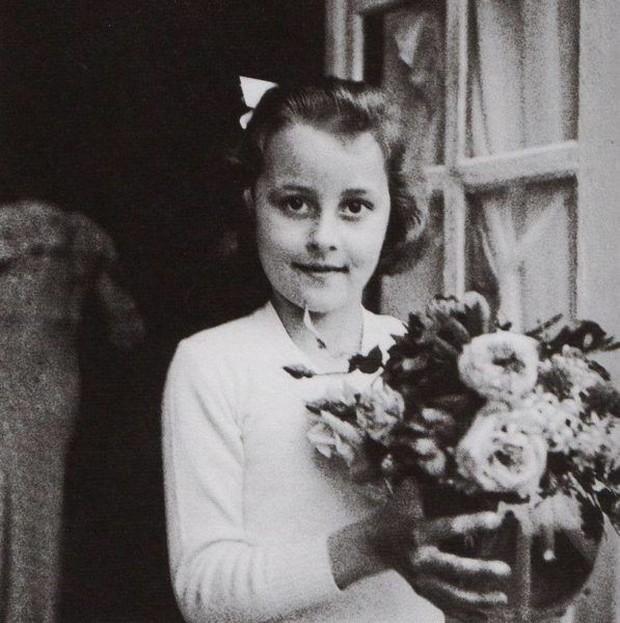 Gabrielle Chanel saat anak-anak/