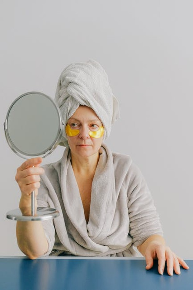 Mengetahui Efektivitas Skincare Anti Aging / foto : pexels.com/AnnaShvets