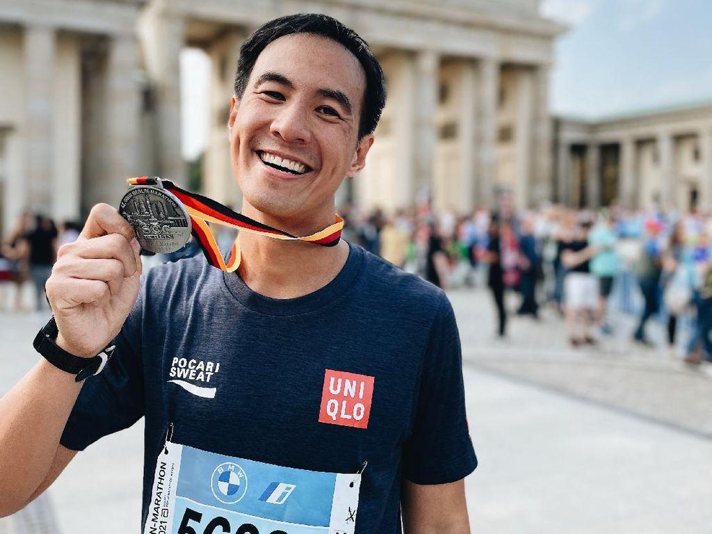 Daniel Mananta Kalahkan Diri Sendiri dan Keajaiban di Berlin Marathon 2021