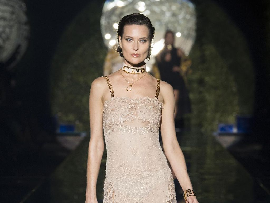 10 Koleksi Busana Terbaru Versace by Fendi - Fendi by Versace