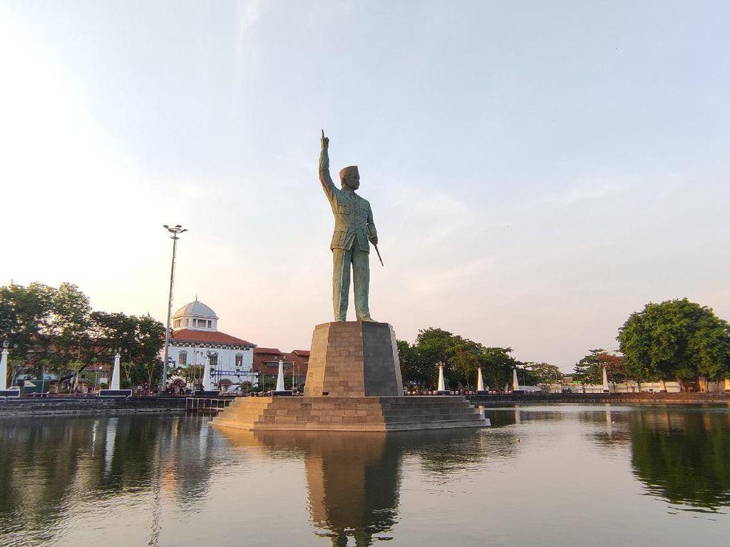 Citilink Mendarat Darurat, Megawati Resmikan Patung Bung Karno