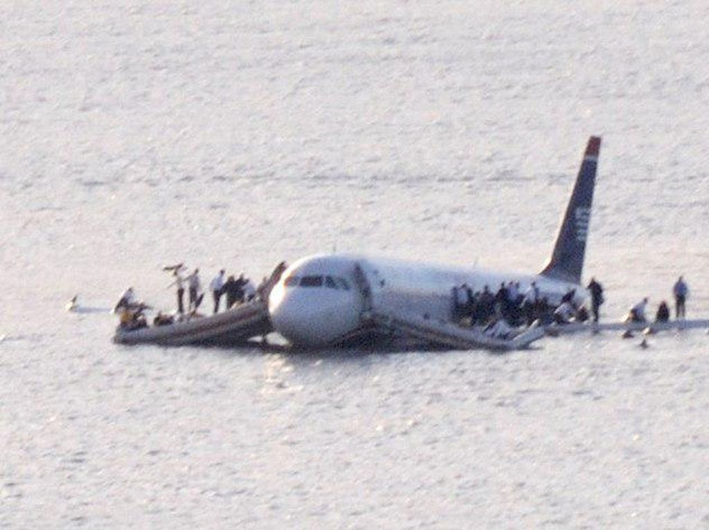 Mirip Citilink Mendarat Darurat, Ini 4 Peristiwa Emergency Landing Dunia