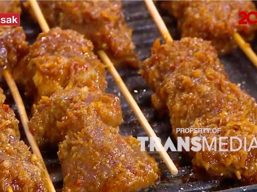Masak Masak: Resep Sate Sapi Bumbu Kelapa yang Juicy Gurihnya Nendang