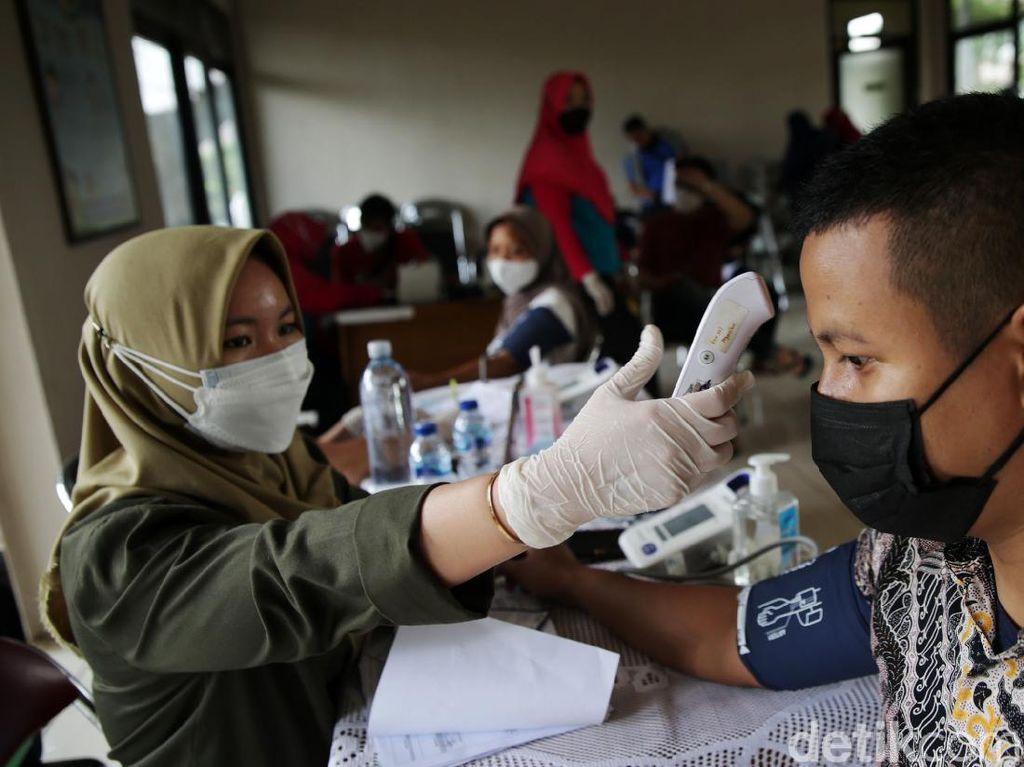 Cegah Gelombang COVID, Satgas Ajak Warga Pahami Sebab Transmisi Virus