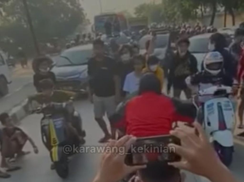 Viral Aksi Balap Liar-Bikin Macet di Karawang, Polisi Turun Tangan