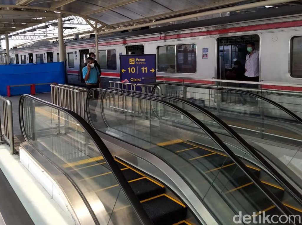 Wahai Anker, Kereta Bekasi dan Jatinegara Pindah Jalur di Stasiun Manggarai