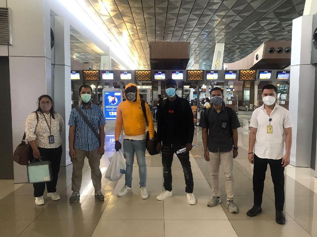 Mengaku Anggota Militer, 2 WNA Dideportasi dari Bali ke Afrika