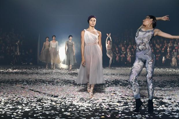 Fashion show konsep balet/