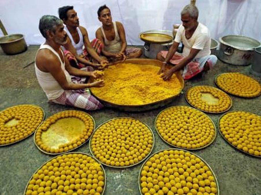 Kuil-kuil India dan Makanan Gratis yang Melimpah