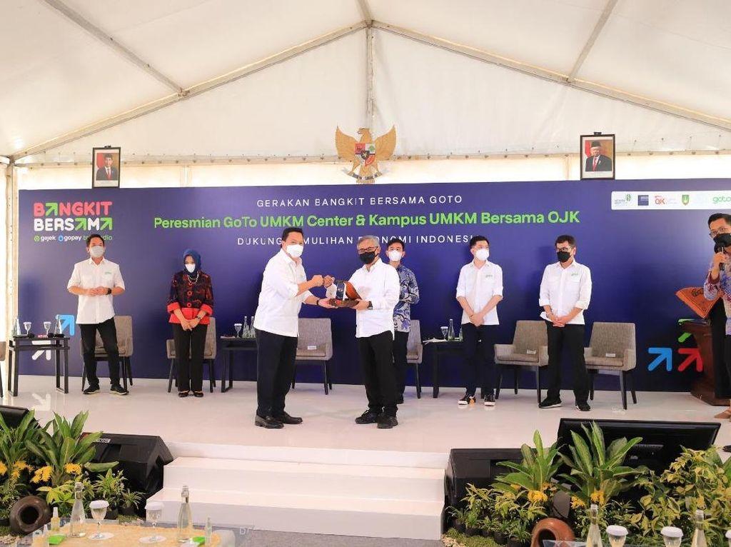 Kembangkan UMKM, OJK-GoTo Resmikan Kampus UMKM Bersama di Surakarta