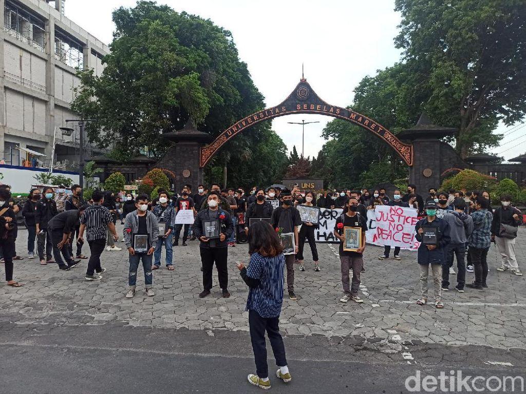 Mahasiswa UNS Peringati September Hitam: Tragedi PKI hingga KPK