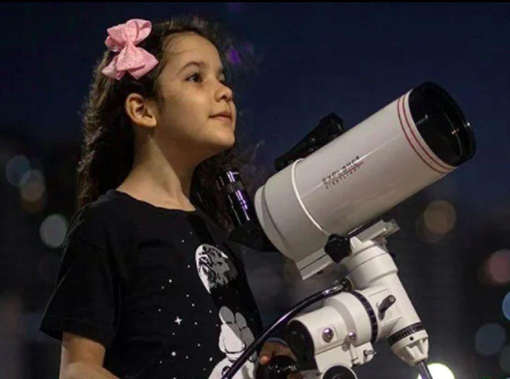 Pemburu Asteroid 8 Tahun Asal Brasil Jadi Astronom Termuda Dunia