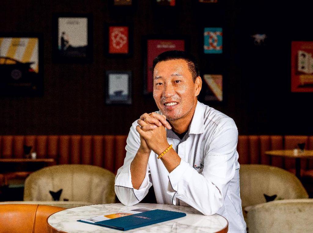 Chef Akira Back Dulu Benci Masak, Tapi Kini Jadi Chef Resto Bintang Michelin