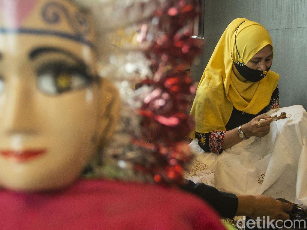 Serunya Membatik Jelang Hari Batik Nasional