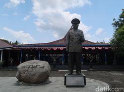Lapor Pak Gatot, Masih Ada Patung Soeharto Setinggi 3 Meter di Bantul
