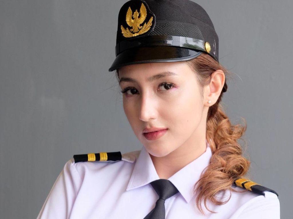 Dokter Cantik Nadia Alaydrus, Siapa Mau Diperiksa?