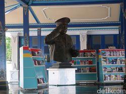 Dear Pak Gatot, Patung-patung Soeharto di Jateng dan DIY Ini Terawat Baik