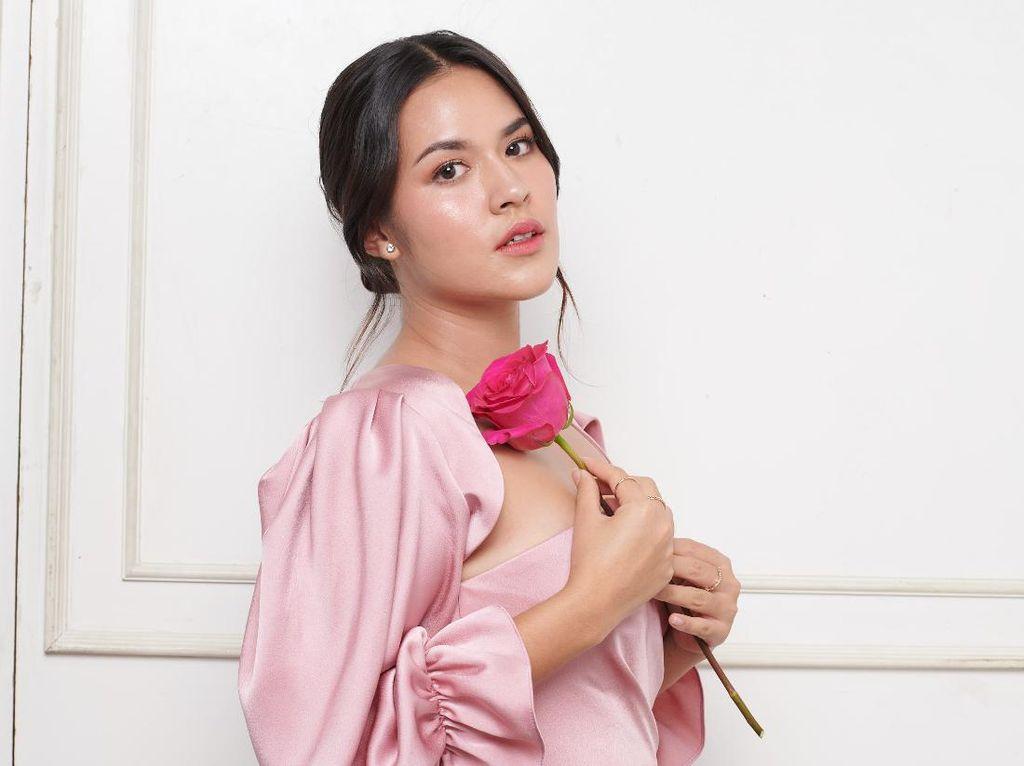 Deretan Artis Indonesia yang Langganan Masuk Nominasi Wanita Tercantik Dunia