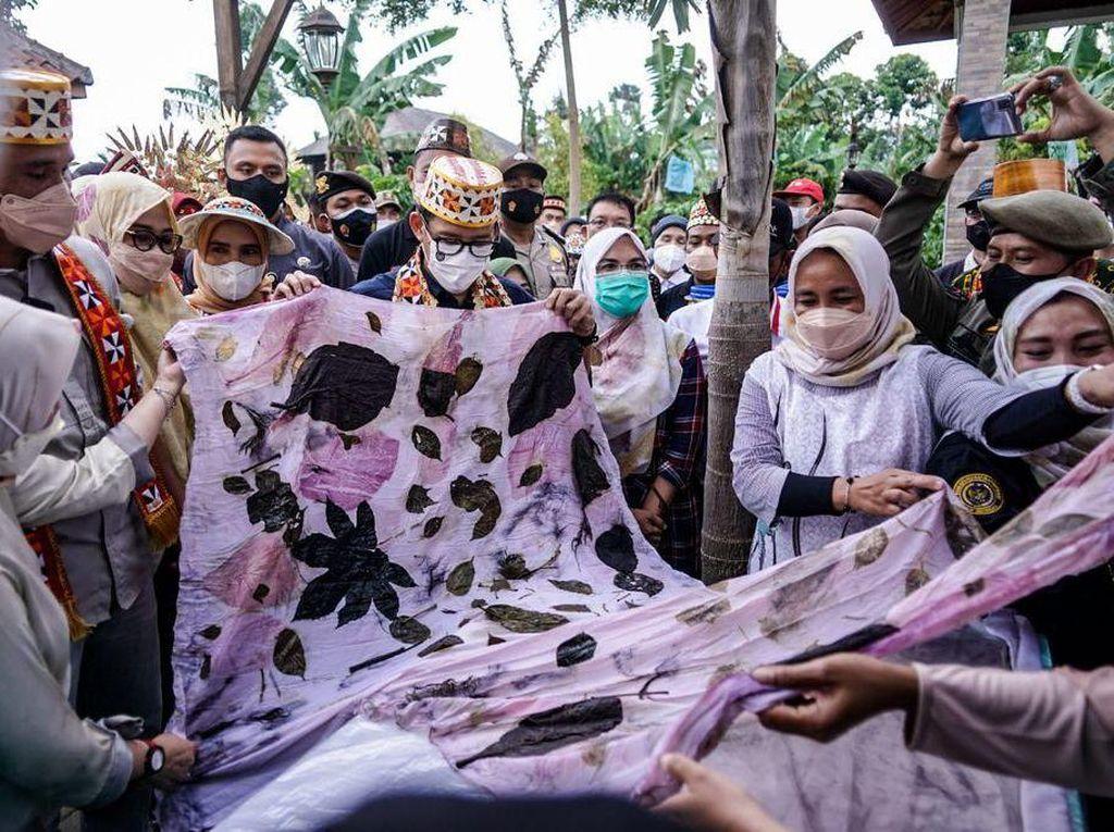 Beli Tote Bag Karya Pengrajin Difabel Lampung, Sandiaga Bakal Pamer di G20 Bali