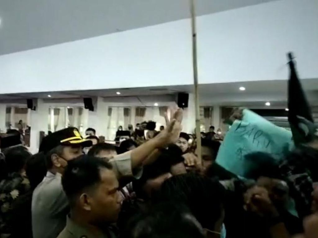 Waka I DPRD Merangin Jambi Tak Masalah Rencana Beli Mobil Dinas Baru Batal