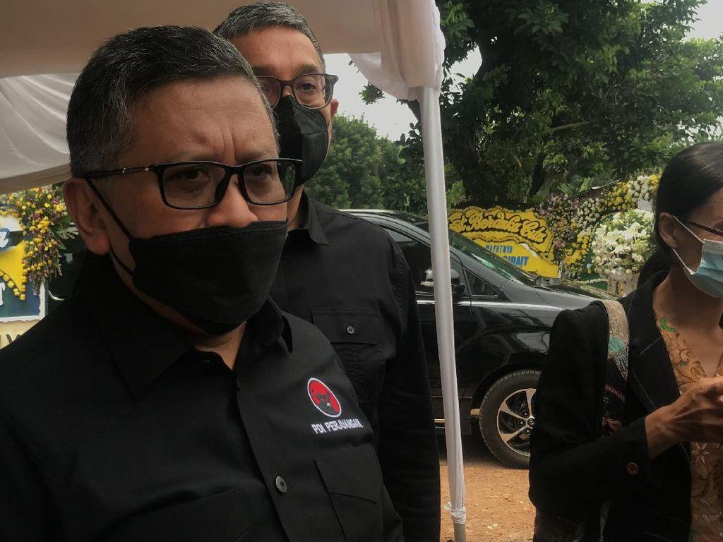Elektabilitas Ganjar Imbangi Prabowo, PDIP: Pemimpin Tak Ditentukan Survei