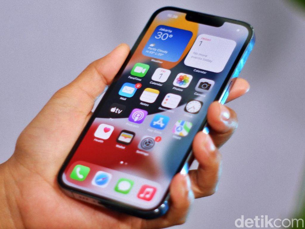 Nah Lho! Produksi iPhone 13 Dipangkas Akibat Kelangkaan Chip