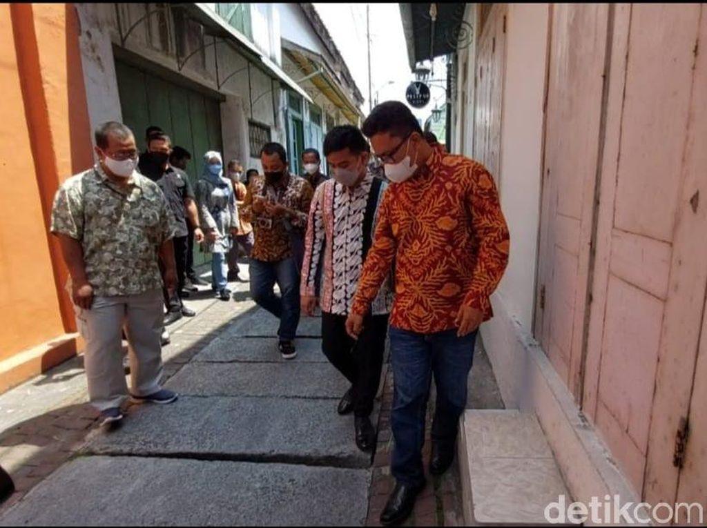 Jalan Kampung Batik Solo Bak Offroad, Gibran: Ra Cetho