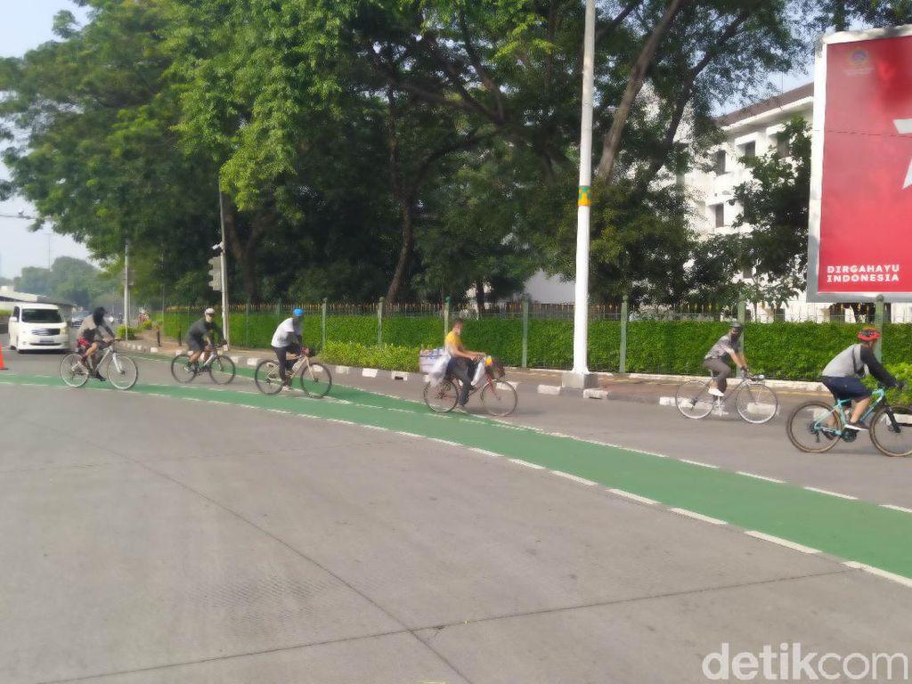 Pesepeda dan Mobil Pelat Ganjil Diputar Balik di Gage Sudirman, Tak Ditilang