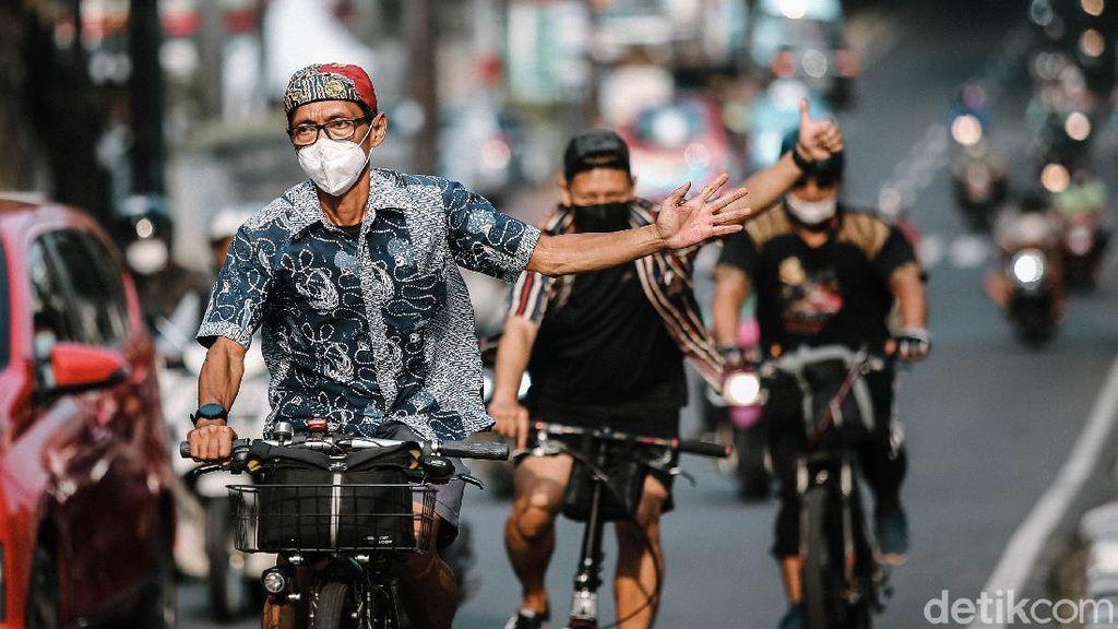 Komunitas Bike To Work Gowes Bareng untuk Peringati Hari Batik