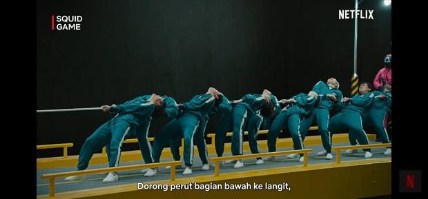 Pada 10 detik pertama para pemain harus bertahan/YouTube/Netflix Indonesia