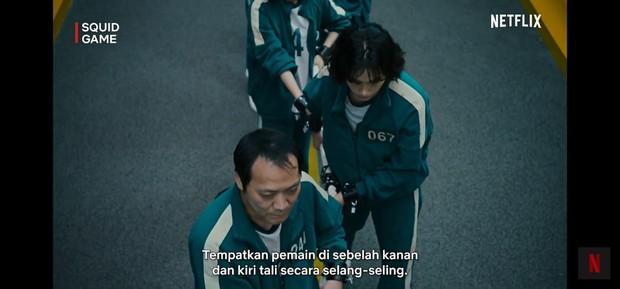 Para pemain diatur dengan posisi selang-seling/YouTube.com/Netflix Indonesia