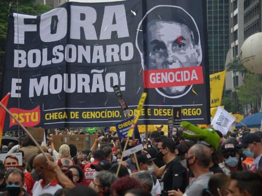 Warga Brasil Demo, Tuntut Pemakzulan Presiden Bolsonaro